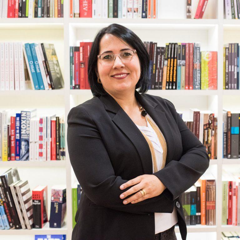 Professor Algo a Mais Helda Elaine